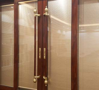 glass sliding door with blinds inside